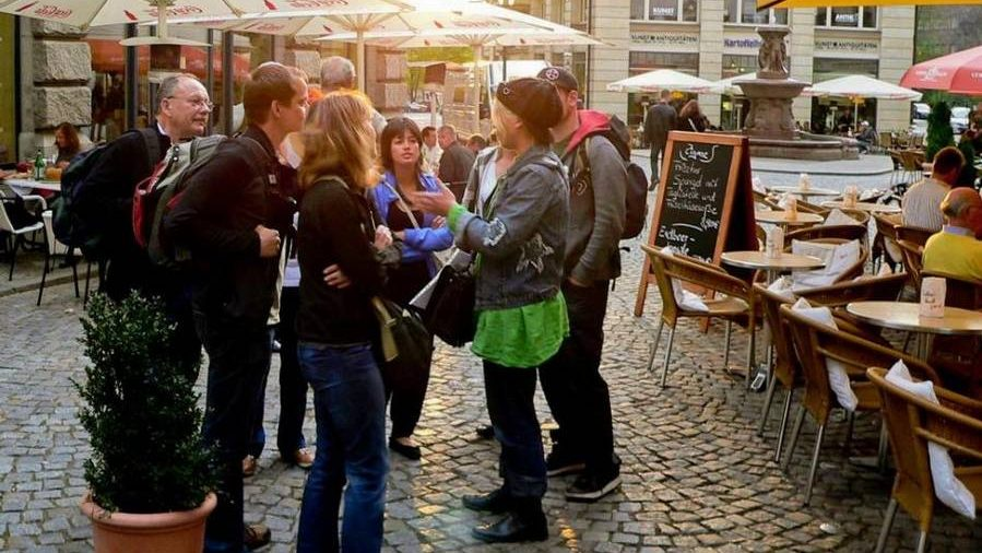 Gruppe in Fußgängerzone